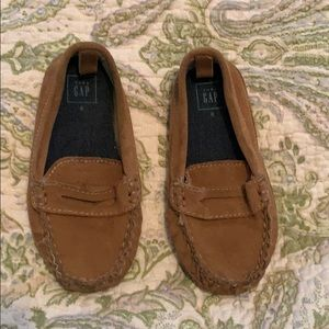 Gap leather loafers tan. Size 8